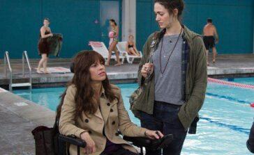 Ciekawy film Nie jestes soba Hilary Swank film o przyjaźni kobiet