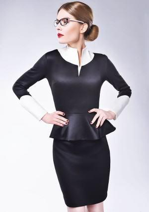 Czarny kostium projektantka Modelka Jennifer Dzieło