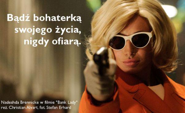 """""""Bank Lady"""" film sensacyjny imelodramat okobiecie napadającej nabanki. Recenzja"""