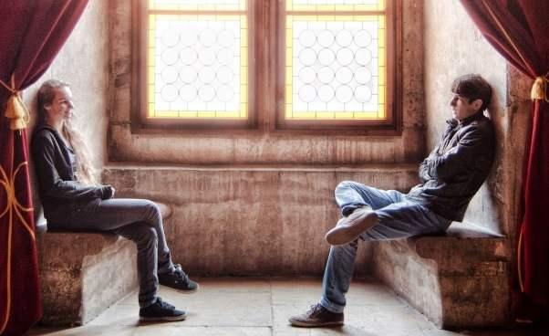 Przykłady rozmów zchłopakami dla dziewczyn konwersacje dziewczyny zchłopakiem Jak zaczepić porozmawiać