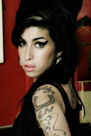 Film oAmy Winehouse film dokumentalny biografia śmierć wizerunek