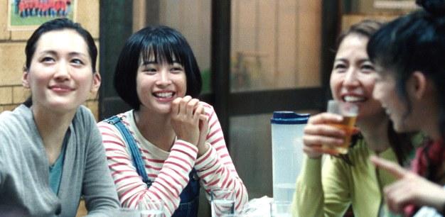 film japoński Nasza młodsza siostra dramat oczterech siostrach wJaponii
