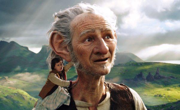 """BFG. Bardzo Fajny Gigant"" Film fantasy dla dzieci Stevena Spielberga. Recenzja"