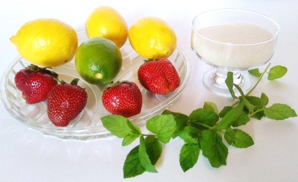 Przepis nalemoniadę cytrynową zmiętą zcytryny ilimonki Dobra lemoniada cytrynowa prosty przepis