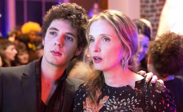 kompleks Edypa wfilmie Francuska komedia Lolo Julie Delpy Vincent Lacoste Opinie