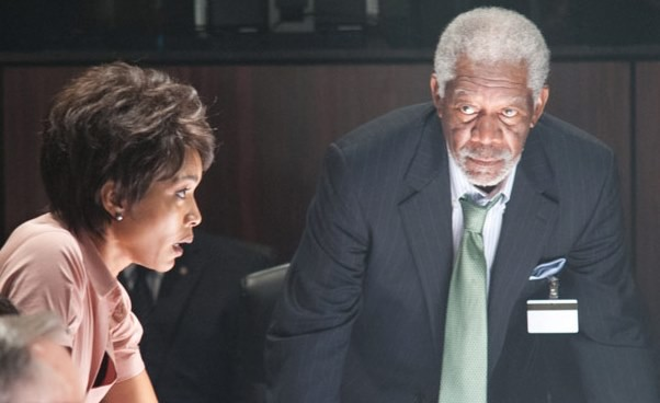 Film sensacyjny kino akcji Angela Bassett Morgan Freeman Recenzja Londyn wogniu Opinie