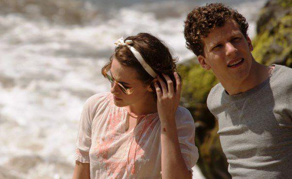 Najnowszy film Woody Allena ozłotych latach Hollywood Śmietanka towarzyska Kristen Stewart Jesse Eisenberg Opinie ofilmie