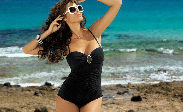 Strój kąpielowy jednoczęściowy naduży brzuch Jak dobrać kostium kąpielowy dofigury