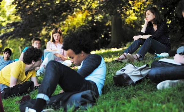 Film ofilozofii Co przynosi przyszłość francuski dramat obyczajowy Isabelle Huppert Recenzja filmu