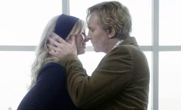 Mąż mieszka zkochanką iżoną Komuna 2016 duński dramat psychologiczny Recenzja filmu Ulrich Thomsen, Helene Reingaard Neumann