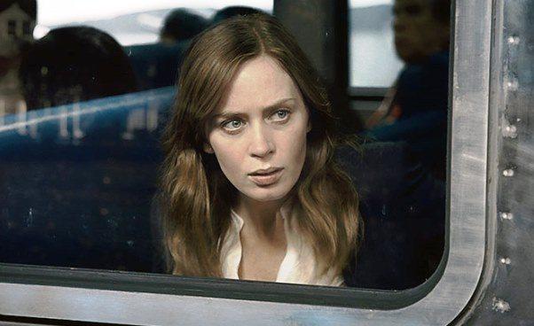 Film Dziewczyna z pociągu dramat obyczajowy thriller Emily Blunt Recenzja Opinie