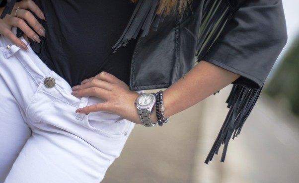 Jak się dobrze ubrać naimprezę Ładnie modnie seksownie wygodnie fajnie dżinsy kurtka naimprezie