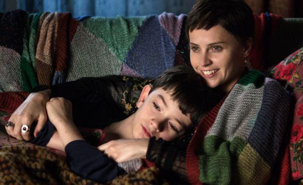 Siedem minut po północy film fantasy dramat o samotnym chłopcu o chorobie matki o śmierci Recenzja Opinie