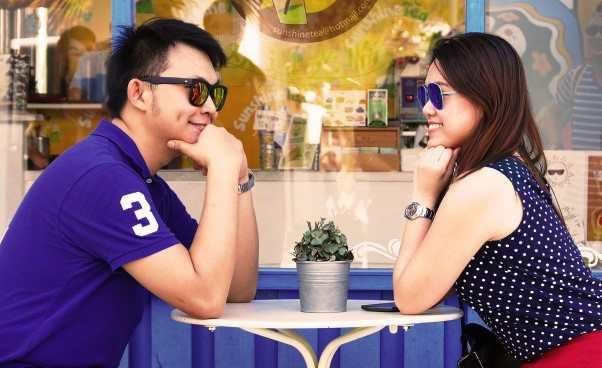 Dobre pierwsze wrażenie napierwszej randce Oczym mówić ubranie zachowanie wskazówki porady