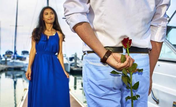 Jak zrobić dobre wrażenie nachłopaku napierwszej randce co ubrać zachowanie rozmowa wskazówki