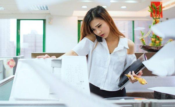 Przyczyny braku asertywności Jak być bardziej asertywną kobietą Jak nauczyć się asertywności Jak odmówić