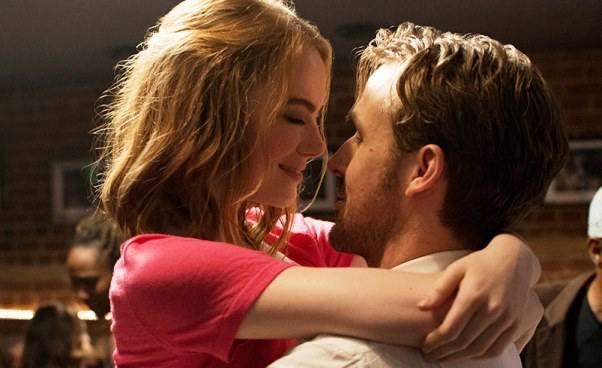 Film romantyczny muzyczny La La Land melodramat Ryan Gosling Emma Stone Recenzja Opinie Fabuła