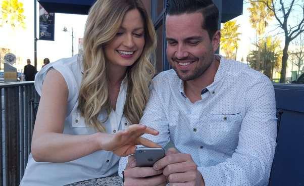 Jak wysyłasz wiadomość do dziewczyny na stronie randkowej