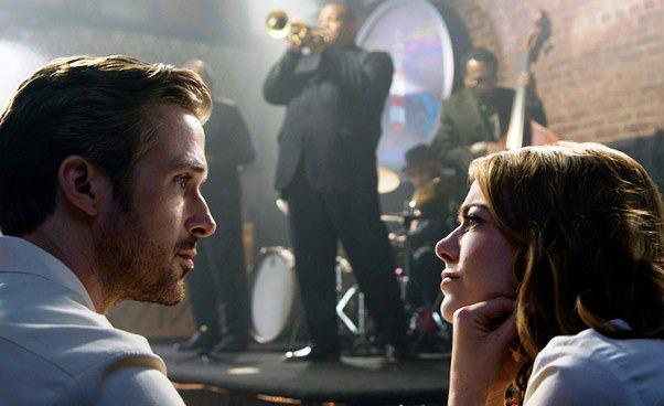 Recenzja filmu La La Land musical retro romans melodramat Ryan Gosling Emma Stone Opis fabuły
