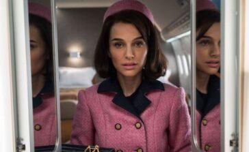 Ikona stylu Jackie film biograficzny o Jacqueline Kennedy dramat o kobiecie w żałobie recenzja ubrania sukienki kapelusze różowy kostium Chanel