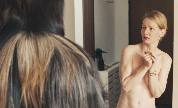 Komedia niemiecka ocórce iojcu Toni Erdmann ocórce iojcu Recenzja filmu Opinie Opis absurdalny humor
