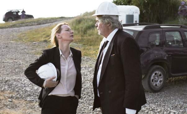 Recenzja filmu Toni Erdmann komediodramat niemiecka dobra komedia ocórce iojcu praca wkorporacji śmieszny film