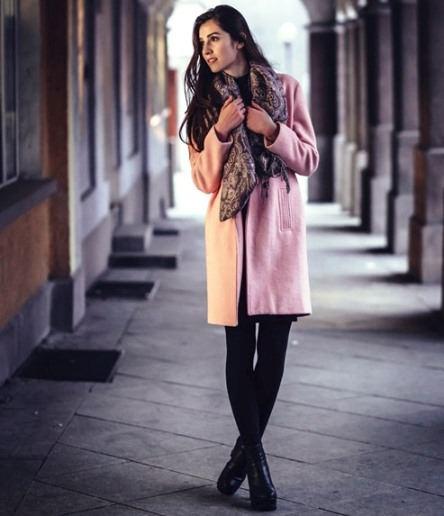 Jak ubierać się zklasą Jak wyglądać nakobietę zklasą Jak mieć klasę Klasyczny styl ubierania strój dodatki buty kostium wizytowy