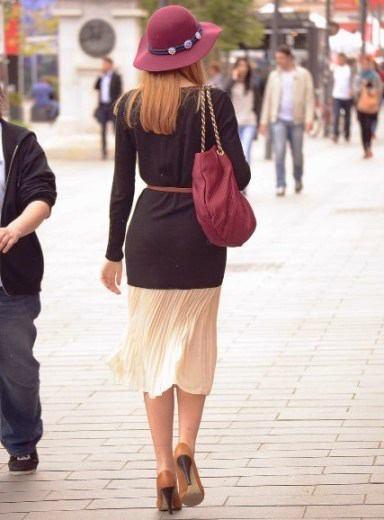 Jak wyglądać nakobietę zklasą Jak mieć klasę Jak ubierać się zklasą szykownie elegancko Sukienki spódnice bluzki buty strój wizytowy