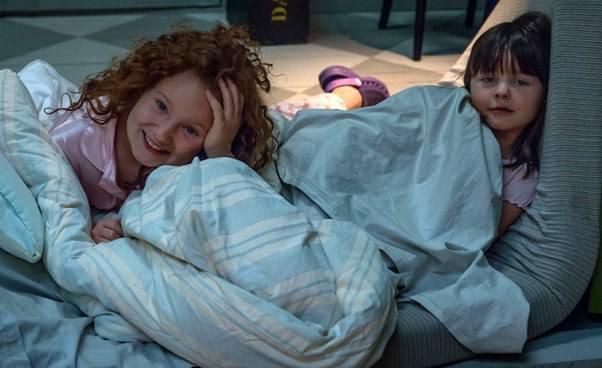 Kino familijne dla dzieci odziewczynce dzień świętej Łucji Adwent Boże narodzenie Sonia śpi gdzie indziej bajka Recenzja Opinie odilu lat