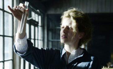 Maria Skłodowska Curie film biograficzny o polskiej noblistce z Karoliną Gruszką Recenzja