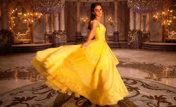 Nowa bajka Disneya Piękna iBestia 2017 Emma Watson Recenzja filmu dla dzieci Opinie Kontrowersje Opis fabuły