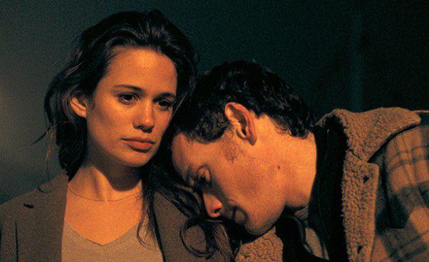 """""""Porto"""" subtelny melodramat, film romantyczny omiłości niemożliwej. Anton Yelchin iLucie Lucas. Recenzja"""