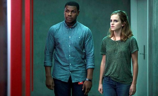 Film opracy wkorporacji The Circle Krąg 2017 obyczajowy dramat SF science fiction Emma Watson Tom Hanks Recenzja