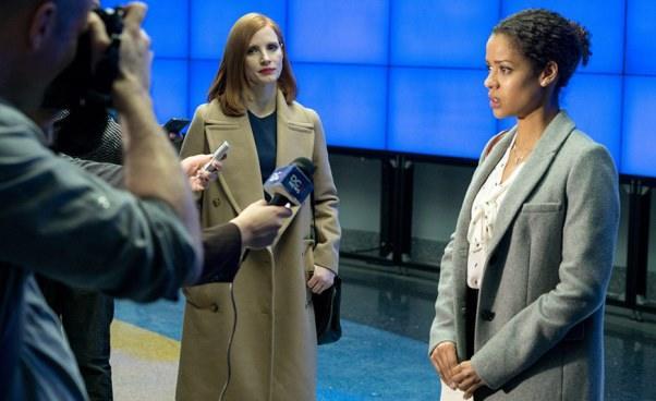 Recenzja filmu Sama przeciw wszystkim Miss Sloane dramat thriller polityczny okobiecie lobbystce Jessica Chastain