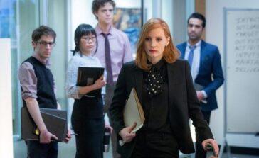"""""""Sama przeciw wszystkim"""" dramat, thriller o kobiecie lobbystce z Jessiką Chastain. Recenzja filmu"""