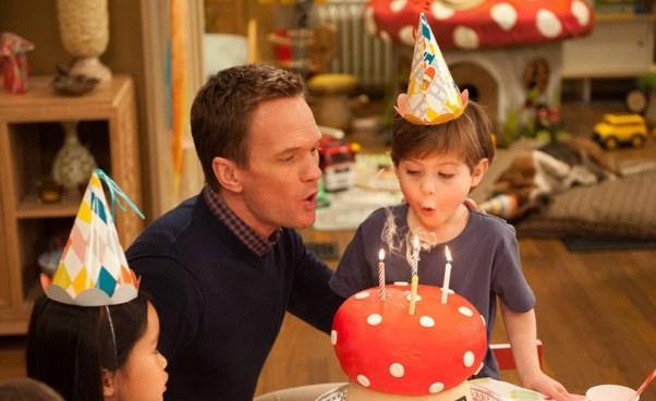 Smerfetka ma urodziny Gargamel wParyżu Smerfy 2 2013 komedia familijna Opis filmu opinie dubbing dla dzieci