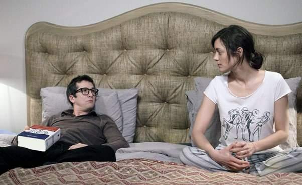 Facet dowymiany komedia francuska Recenzja Opinie Film okryzysie wieku średniego operacjach plastycznych