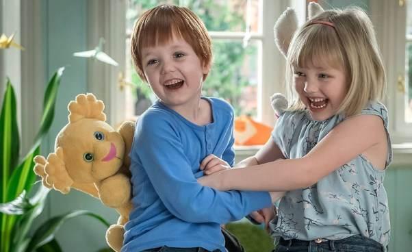 Ciekawy film familijny dla małych dzieci owyprawie wgóry Kacper iEmma jadą wgóry Polecany Opinie