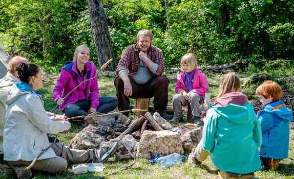 Film dla dzieci irodziców familijny Kacper iEmma jadą wgóry owycieczce chłopcu dziewczynce Opinie