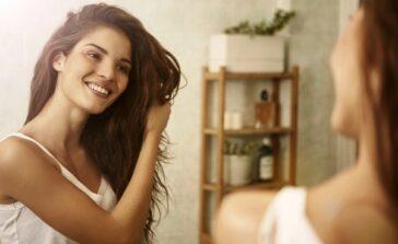 Biotyna na włosy paznokcie Co to jest biotyna Produkty z biotyną Przyczyny problemów z włosami paznokciami
