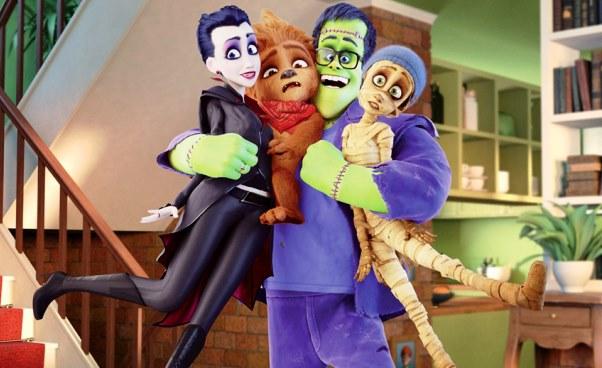 """""""Potworna rodzinka"""" 2017 animowana komedia familijna o rodzinie zamienionej przez Drakulę w potwory. Opinie"""