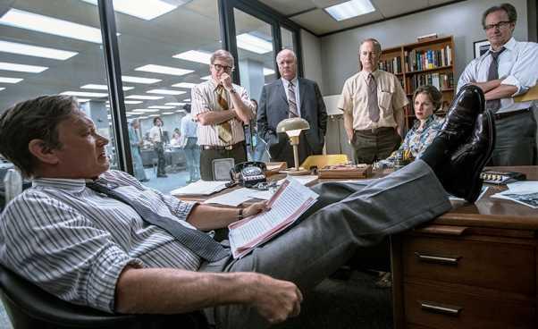 Ciekawy dramat polityczny Stevena Spielberga Czwarta władza film oamerykańskim wydawcy The Washington Post Tom Hanks Opinie