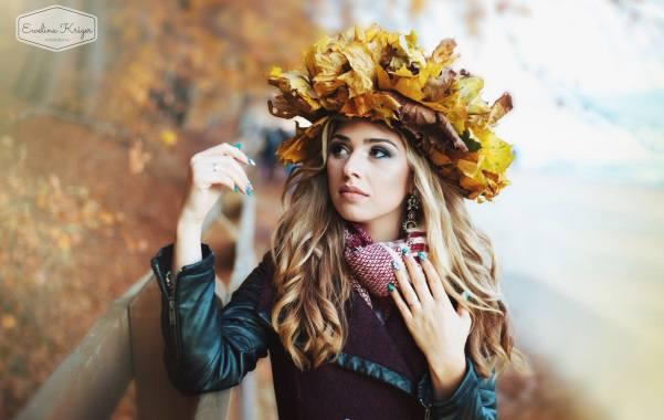 Spis kosmetyków najesienną sesję zdjęciową zprzyjaciółkami Makijaż Karolina Barzowska Zdjęcia