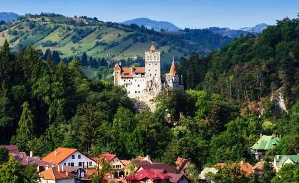 Wycieczki do Rumunii dlaczego są coraz bardziej popularne propozycje wyjazdów na wakacje
