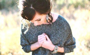 Brak wiary w siebie przyczyny Jak odzyskać wiarę w siebie wzmocnić zwiększyć Psychologia