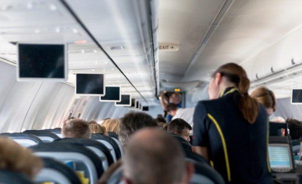 Stewardessa wymagania wzrost Jak zostać stewardessą Jak wygląda praca stewardesy Opinie porady rozmowa kwalifikacyjna