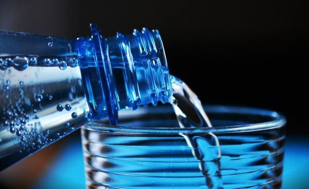 Wpływ diety pudełkowej nastan skóry Jakie składniki wybrać wdiecie pudełkowej Woda wdiecie