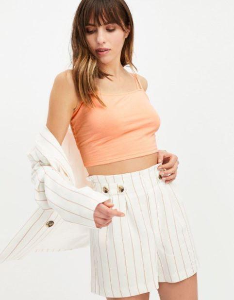 Z czym zakładać modne w2019 crop topy Koszulki itopy damskie Jak nosić crop top