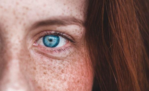 Przyczyny suchej skóry Domowe sposoby pielęgnacji Maseczka kakaowa