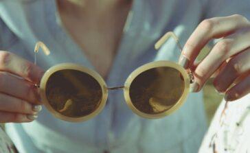 Szukasz modnych okularów w niskich cenach Kody rabatowe do sklepów online